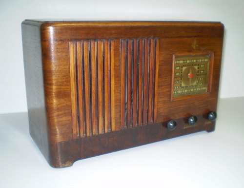 Emerson Radio Model Dm331 The Place